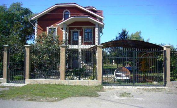 Гостевой дом «Абхазский хутор» в Цандрипше по улице Пионерская, дом № 1